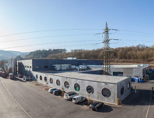 Aquatherm® inaugura la nueva planta de extrusión de sistemas de tuberías de polipropileno en Attendorn
