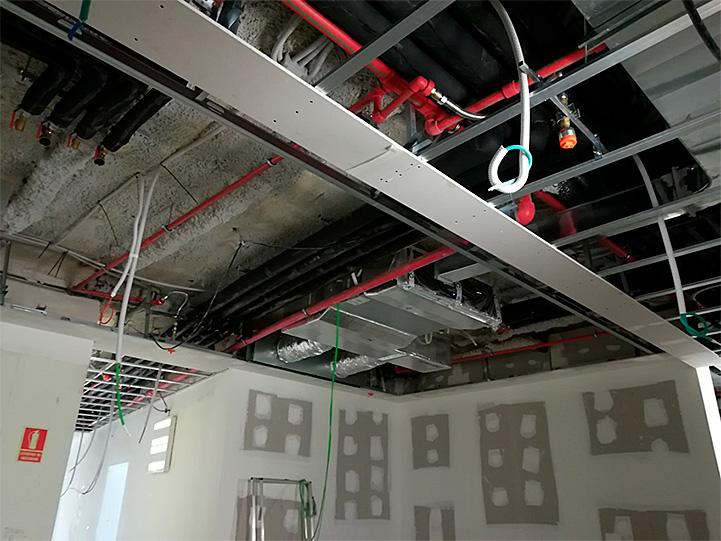 sistema de tuberías de polipropileno aquatherm red pipe utilizado en los edificios premiados por la AEO, Asociación española de oficinas